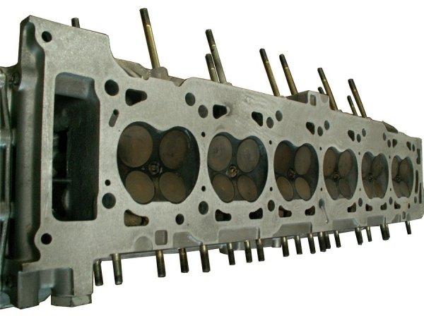 Sechszylinder-Reihenmotor